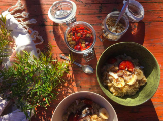 yoga course, yoga teacher training in Portugal; yoga and healthy food; mindful eating retreat Portugal; connect with your body in a healthy way; body wisdom retreat Portugal; learn how to cook healthy in Portugal; connected to your food; yoga and mindfuln