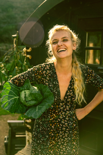 Yoga, meditation and mindful eating retreat portugal; yoga and mindful eating week; vacation for your body and health; yoga and meditation practice holiday; learn more about healthy nutrition; eating as a practice of yoga; get into body in Portugal; yoga